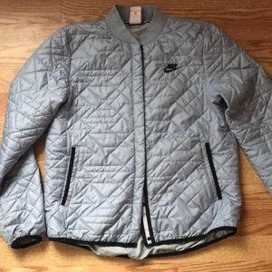 Nike puffer coat ⭐️sale⭐️